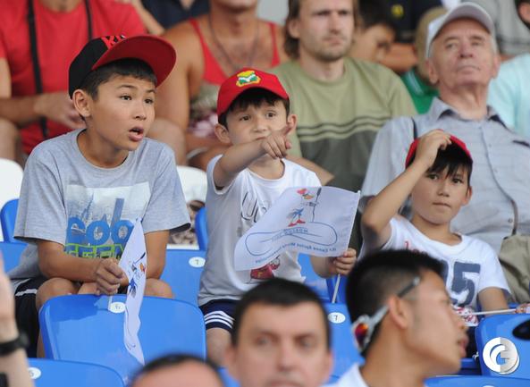 ЧМ в Москве: гребля - спорт мужественных людей. Фото