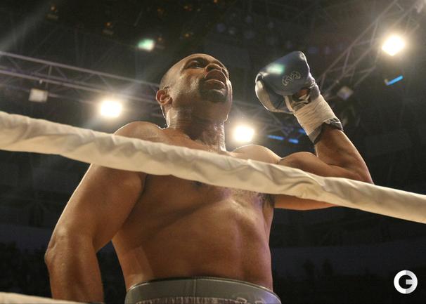 Рой Джонс выиграл бой и спел в Краснодаре