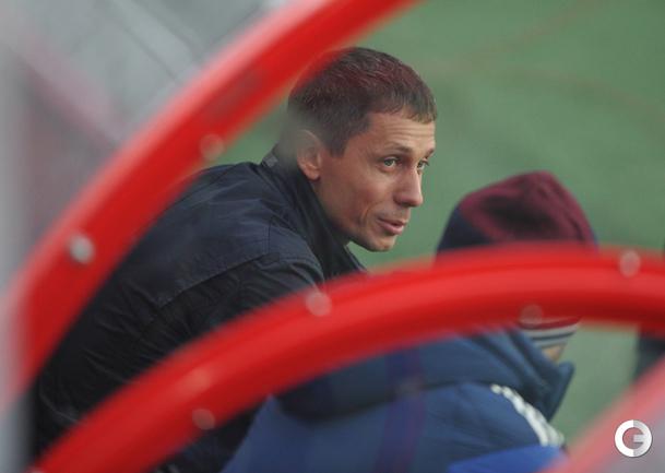 Юрий Борзаковский на тренировке сборной России по футболу