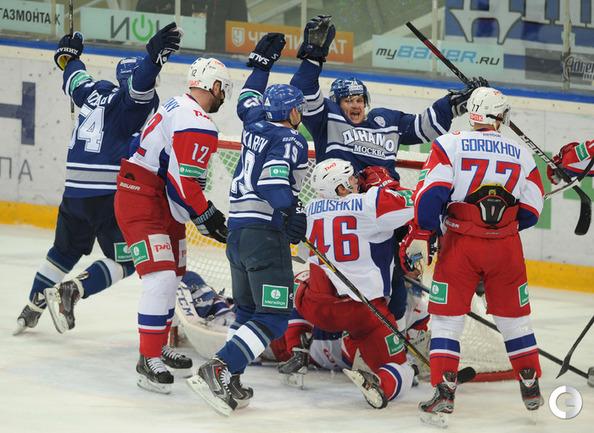 Только что Дмитрий Пестунов забросил победную шайбу.