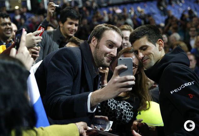 Джокович стартовал в итогом турнире года с победы