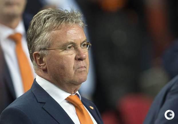 Голландия проиграла очередной матч при Хиддинке