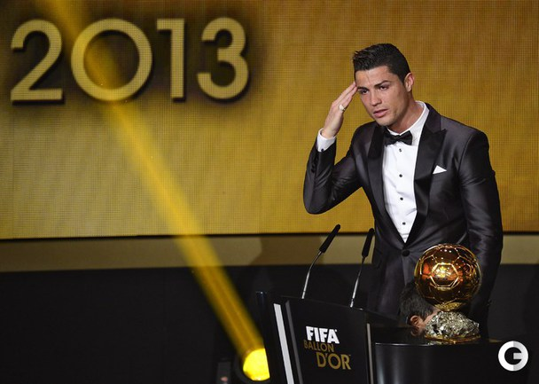 "2013 год - португалец КРИШТИАНУ РОНАЛДУ (""Реал"" Мадрид). ."