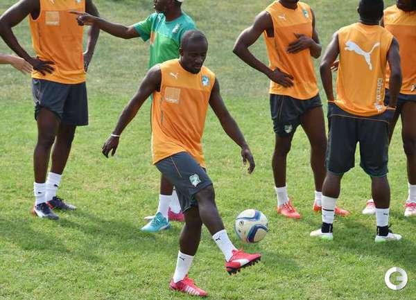 Сейду Думбья на тренировке сборной Кот-д'Ивуара