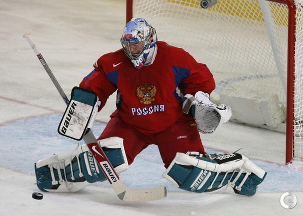 хоккейный вратарь крупный план фото