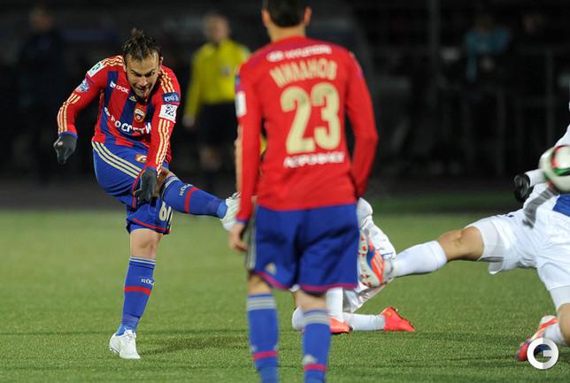 Бибрас Натхо забивает победный гол.