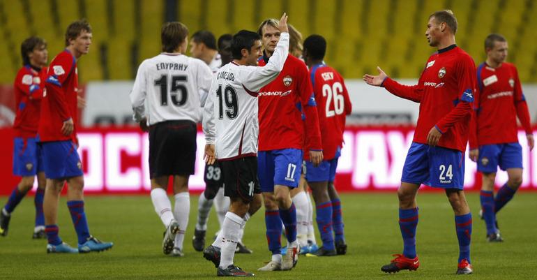 Александр Самедов и Василий Березуцкий после матча.