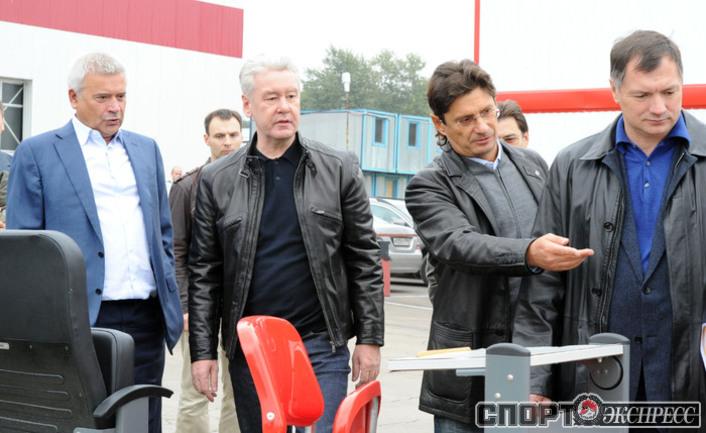 Сергей Собянин(в центре).