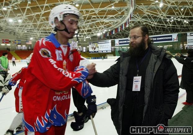 Настоятель Свято-Троицкого прихода в Улан-Баторе отец Алексей.