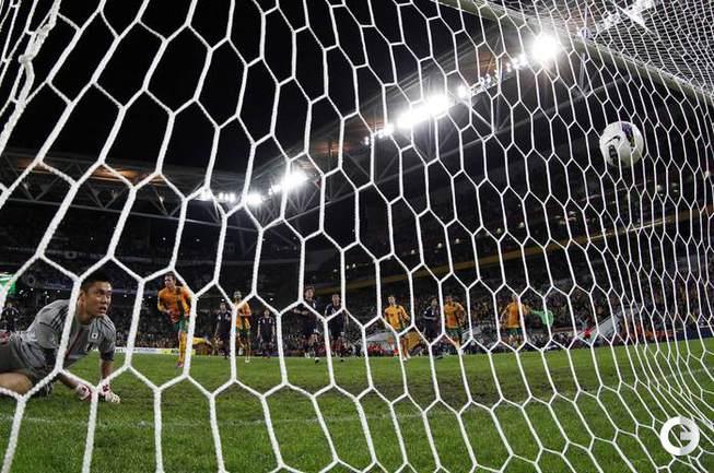 Люк Уилкшир сравнивает счет с пенальти. фото REUTERS.