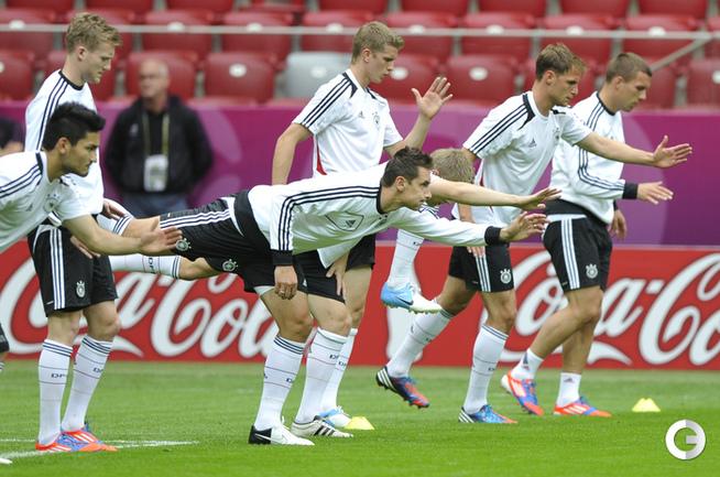 НЕМЦЫ НАКАНУНЕ ПОЛУФИНАЛА EURO-2012