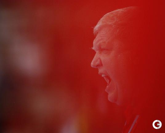 """В ГАНДБОЛЕ И ВОЛЕЙБОЛЕ РОССИЯНКИ БЕЗ МЕДАЛЕЙ Фото """"СЭ"""""""