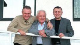 Григорий СУРКИС (слева) с отцом Михаилом Давидовичем и братом Игорем. Фото - Александр ЗАДИРАКА