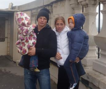 "Семейство АРШАВИНЫХ: Яна, Андрей, Юля и Артем. Фото Бориса ЛЕВИНА, ""СЭ"" Фото «СЭ»"