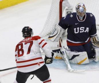 Сегодня. Ванкувер. Canada Hockey Place. США - Канада - 2:3 ОТ. Золотой гол Сидни КРОСБИ. Фото REUTERS Фото «СЭ»