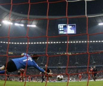 "Вчера. Мюнхен. ""Бавария"" – ""Лион"" - 1:0. 70-я минута. Удар Арьена Роббена приносит победу хозяевам. Фото Reuters"