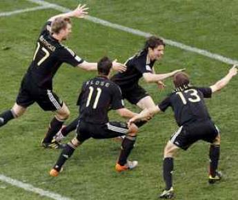3 июля. Кейптаун. ЧМ-2010. 1/4 финала. Аргентина - Германия - 0:4. Фото Reuters
