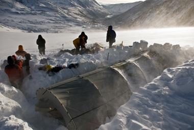 """Пургуем на Талдуринском леднике. Фото Ольги ПАПИНОЙ Фото """"СЭ"""""""