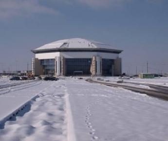 """Вчера. Краснодар. Строительство будущего стадиона для ЧМ-2018 планируется рядом с этим комплексом: там будет целый спортивный городок. Фото Виталия ТИМКИВА Фото """"СЭ"""""""