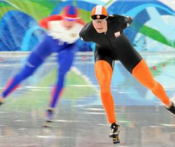 Четырехкратный чемпион мира из Голландии Свен КРАМЕР пропустит нынешний мировой форум в классическом многоборье. Фото AFP