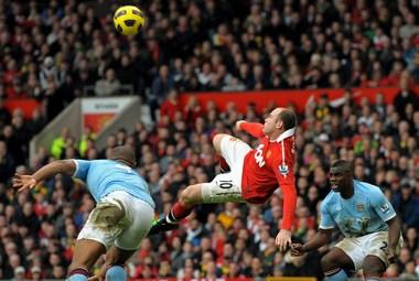 """Сегодня. Манчестер. """"Манчестер Юнайтед"""" - """"Манчестер Сити"""" - 2:1. Уэйн РУНИ забивает победный гол. Фото AFP"""