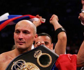 Ноябрь 2007 года. Чемпион мира Роман КАРМАЗИН. Фото AFP