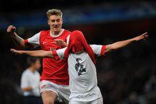 """Среда. Лондон. """"Арсенал"""" - """"Барселона"""" - 2:1. Андрей АРШАВИН празднует свой победный гол."""
