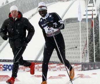Вчера. Осло. Бьорн ДЭЛИ поддерживает Филиппа БОЙТА. Фото REUTERS