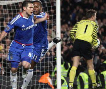 """Вторник. Лондон. """"Челси"""" - """"Манчестер Юнайтед"""" - 2:1. Фрэнк ЛЭМПАРД (№8) празднует победный гол. Фото AFP"""