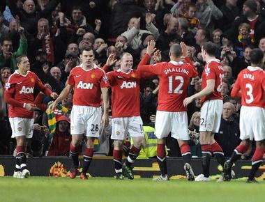 "Сегодня. Манчестер. ""Манчестер Юнайтед"" - ""Арсенал"" - 2:0. Хозяева празднуют второе взятие ворот лондонцев. Фото REUTERS"