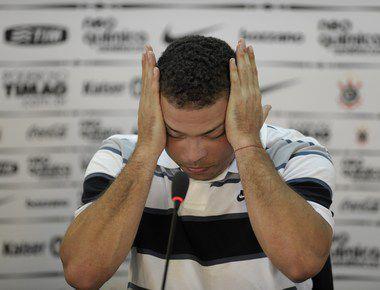14 февраля. Сан-Паоло. РОНАЛДО объявляет о завершении карьеры.  Фото AFP