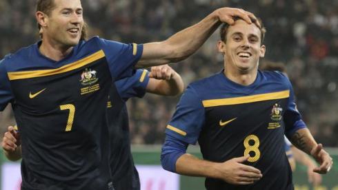 Вторник. Менхенгладбах. Германия - Австралия - 1:2. Люк УИЛКШИР (№8) празднует победный гол. Фото AFP