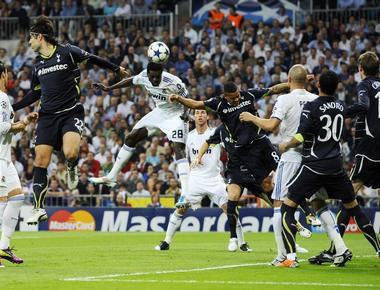 """Вторник. Мадрид. """"Реал"""" - """"Тоттенхэм"""" - 4:0. Один из двух голов Эмманюэля АДЕБАЙОРА в ворота гостей. Фото REUTERS"""