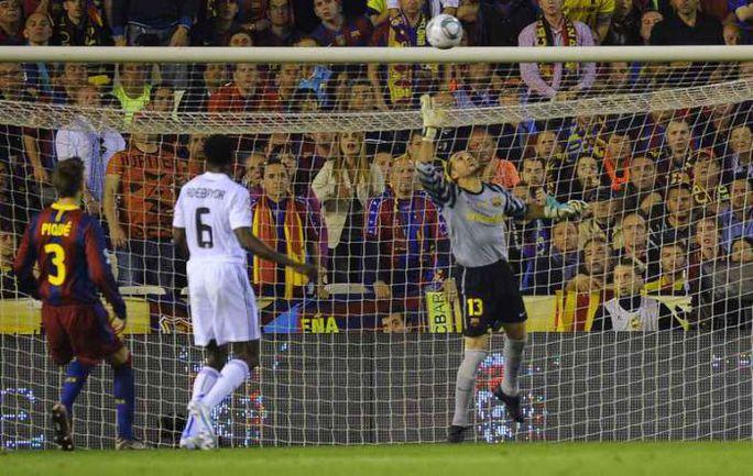 """Среда. Валенсия. """"Барселона"""" - """"Реал"""" - 0:1. Гол Криштиану Роналду в ворота каталонского клуба. Фото REUTERS"""
