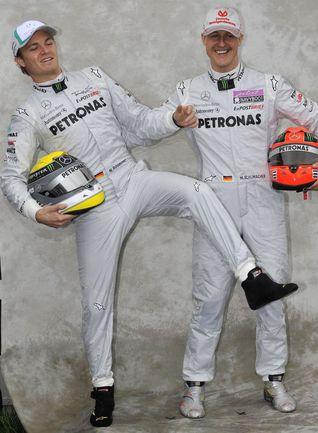 """Нико РОСБЕРГ (слева) и Михаэль ШУМАХЕР. Фото """"СЭ"""""""