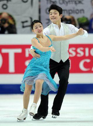 Бронзовые призеры чемпионата мира-2011 Майя и Алекс ШИБУТАНИ. Фото AFP