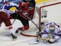 Нереальный гол русского форварда остановил Канаду. Одурачил двух больших звезд НХЛ ирасстрелял вратаря