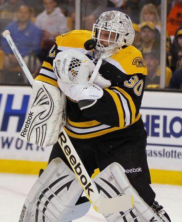 """Усилий лучшего вратаря НХЛ Тима ТОМАСА может оказаться недостаточно для выхода """"Бостона"""" в финал. Фото REUTERS"""