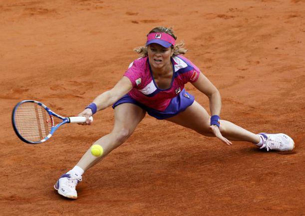 Вчера. Париж. Ким КЛИЙСТЕРС терпит свое самое ранее поражение на Roland Garros. Фото REUTERS