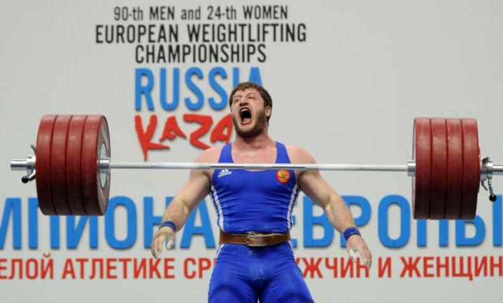 Хаджимурат АККАЕВ выиграл золото в весовой категории до 104 кг. Фото AFP