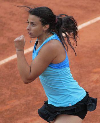 Вторник. Париж. Марион БАРТОЛИ - первая с 2005 года француженка в полуфинале French Open. Фото AFP