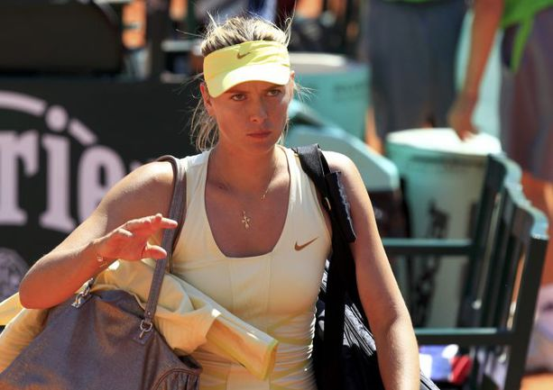 """Вчера. Roland Garros. Мария ШАРАПОВА покидает турнир """"Большого шлема"""". Фото REUTERS"""