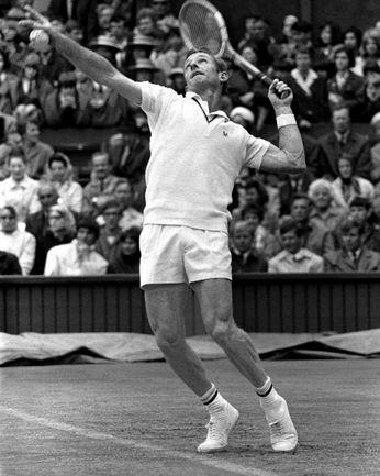 """1 июля 1968 года. Род ЛЭЙВЕР выигрывает свой третий из четырех чемпионских титулов на Уимблдоне. Фото www.sporting-heroes.net Фото """"СЭ"""""""