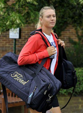 Сегодня Мария ШАРАПОВА сыграет в полуфинале Уимблдона с Сабине Лисицки. Фото AFP
