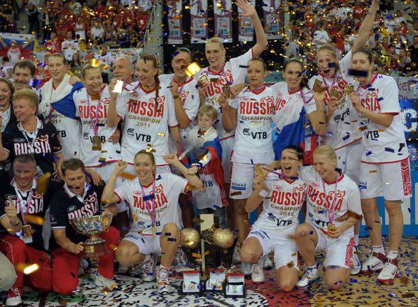Воскресенье. Лодзь. Сборная России - чемпион Европы! Фото AFP