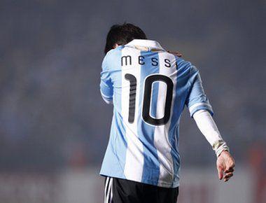 Среда. Санта-Фе. Аргентина - Колумбия - 0:0. Лучший футболист мира Лионель МЕССИ в очередной раз не блеснул в матче за сборную. Фото REUTERS