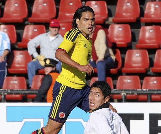Вчера. Санта-Фе. Колумбия - Боливия - 2:0. 14-я минута. Радамель ФАЛЬКАО открывает счет. Фото Reuters