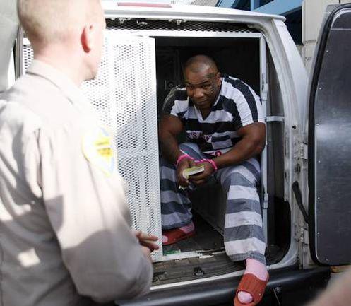20 ноября 2007 года. Марикопа. Майк ТАЙСОН пробыл в знаменитой тюрьме всего сутки. Фото REUTERS