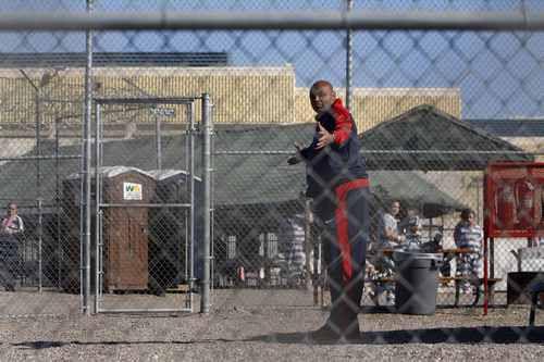 7 марта 2009 года. Марикопа. Чарльз БАРКЛИ пробыл в знаменитой тюрьме три дня. Фото REUTERS