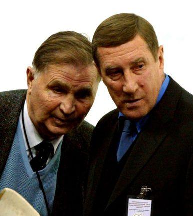 """Виктор ТИХОНОВ и Валерий БЕЛОУСОВ (справа). Фото Александра ФЕДОРОВА, """"СЭ"""" Фото """"СЭ"""""""